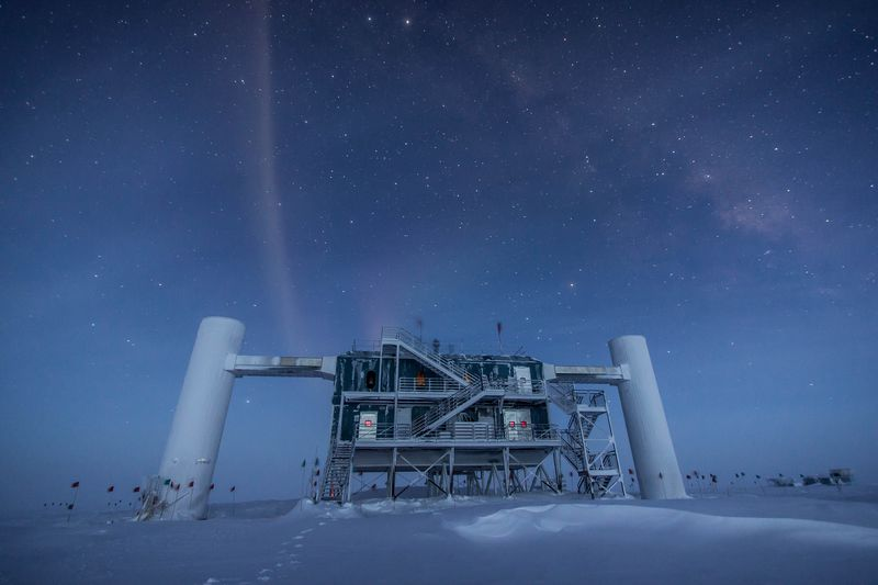 IMG_4263 An enormous ice cube at the South Pole is revealing mysteries about the universe