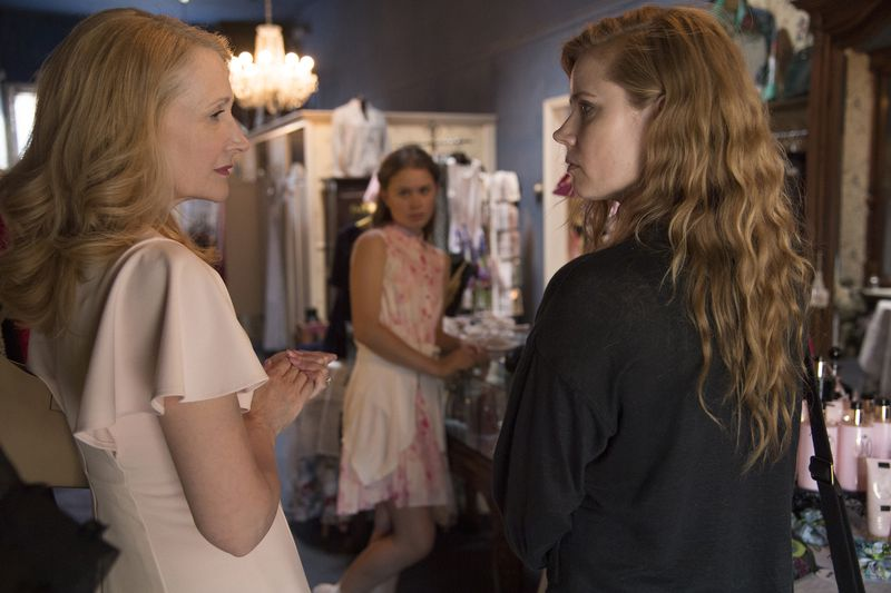 c8522c03e12a45c3eb43852c5493d0cf19d65c233460b922e7a79e3fb78ec37e What makes HBO's Sharp Objects so good is hiding in plain sight